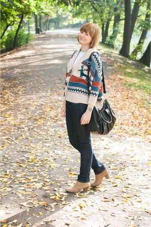 nude pull&bear boots - beige romwe sweater