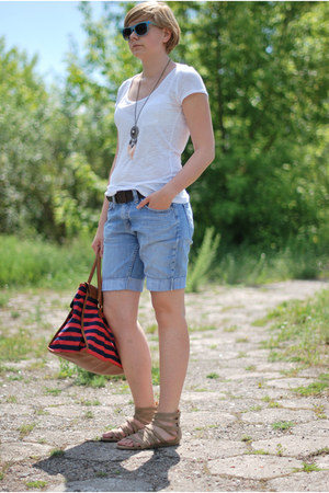 red H&amp;M bag - periwinkle Levis shorts - blue TK Maxx sunglasses - neutral H&amp;M ne