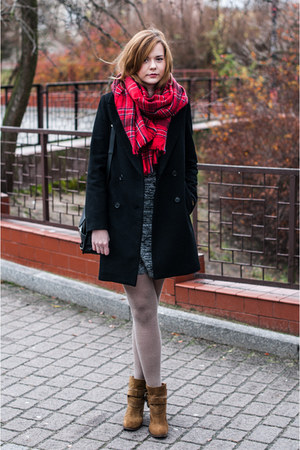 bronze Zara boots - heather gray Vila dress - black Zara coat - red H&M scarf
