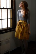 gray cool wear shirt - gold fancy clothing skirt - gray LEI stockings