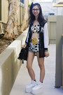 Gold-von-trash-necklace-white-yru-shoes-black-unknown-jacket