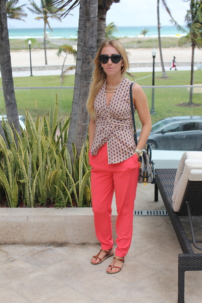 H&M necklace - Prada bag - D&G sunglasses - rachel roy top - Aldo sandals