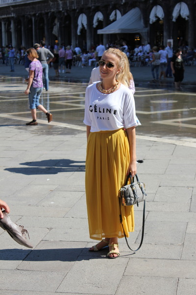 Solilor t-shirt - Prada bag - D&G sunglasses - asos necklace - Musette sandals