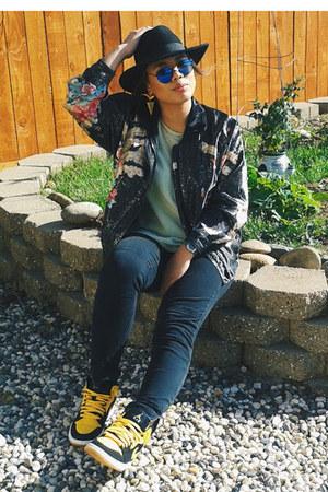 black skinny Forever 21 jeans - black H&M hat - blue round H&M sunglasses
