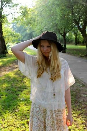 black fedora Primark hat - floral Promod skirt - cream boho Primark blouse