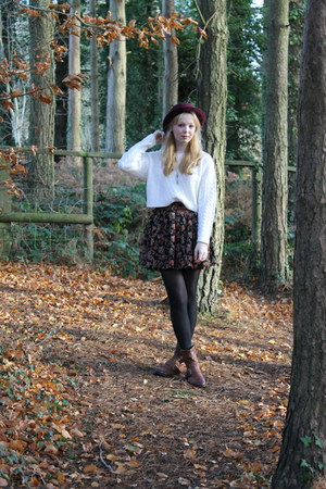 gray wool Primark coat - crimson bowler hat H&M hat