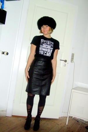 2tryhard hat - Threadless t-shirt - vintage skirt - tights - tights - vintage bo