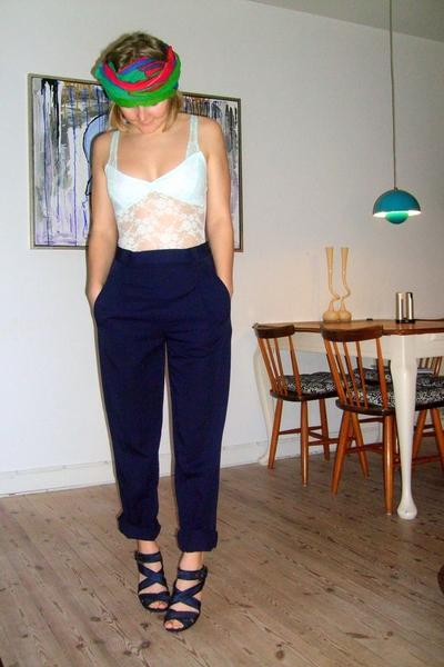 vintage scarf - monday intimate - vintage pants - Zara shoes