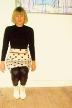 vintage top - vintage skirt - leggings - vintage shoes - vintage belt