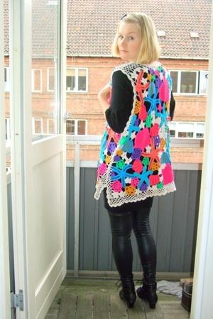 second hand vest - Zara dress - leggings - lace up boots
