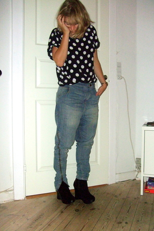 second hand t-shirt - H&M Trend jeans - Nelly boots