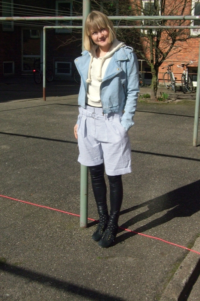 Monki jacket - Monki blouse - weekdays shorts - leggings - fakta socks - H&M sho