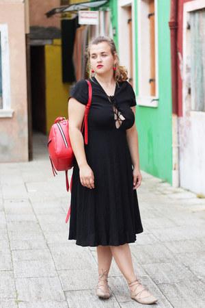 black midi thrifted from Crossroads dress - red zipper Zara bag