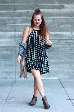 olive green comfortable Clarks boots - black halter Tobi dress