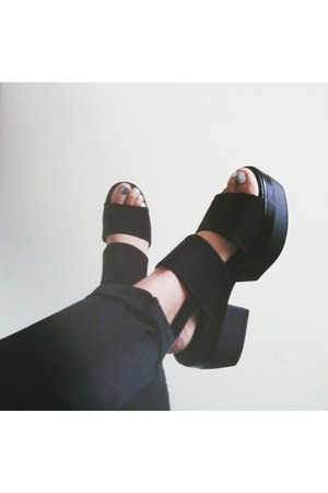 black platform Urban Outfitters shoes