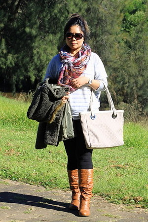 Esperence boots - floral Just jeans scarf - Oroton bag - Billabong glasses