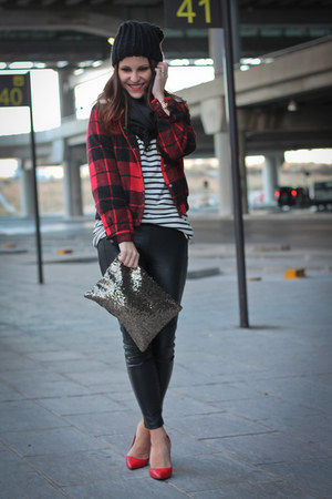 Lefties jacket - Zara leggings - paillettes suiteblanco bag