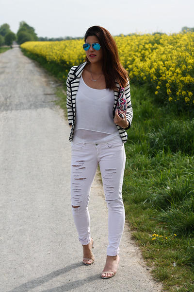 ripped Bershka jeans - striped Shana blazer - Pimkie bag