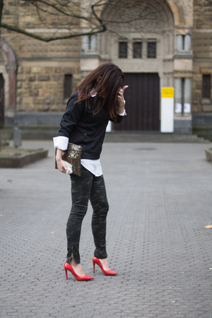 camouflage Lefties pants - paillettes suiteblanco bag - red Zara heels
