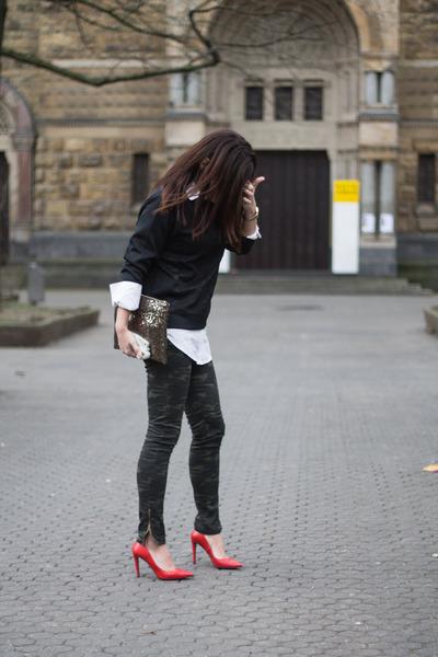 camouflage Lefties pants - paillettes suiteblanco bag - red Zara heels