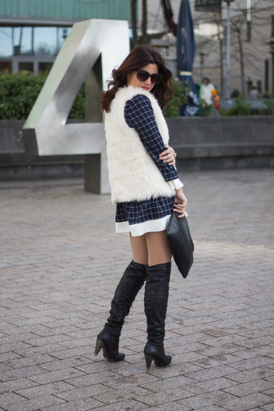 plaid PERSUNMALL dress - faux fur H&M vest