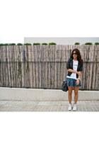 Converse sneakers - Zara jacket - Stradivarius skirt