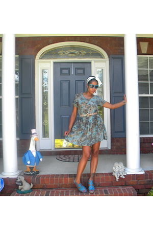 blue dress - blue Bakers shoes - white scarf - blue Forever 21 sunglasses