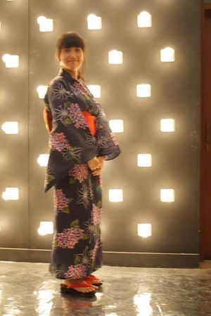 blue Yukata Japan blouse - red Geta shoes