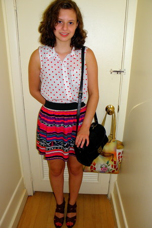 hot pink patterned Forever 21 skirt - white polka dots Urban Outfitters shirt