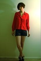 FashionMonger Vintage blouse - vintage shorts - vintage necklace - Nine West sho