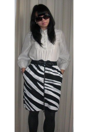 white H&M blouse - black Club Monaco skirt - black H&M belt - black DKNY tights