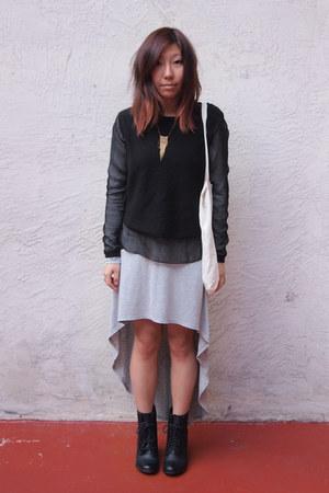 black shoemint boots - heather gray Forever 21 dress - black paneled H&M sweater