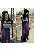 Boohoo boots - Bershka skirt
