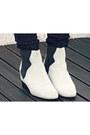 Zara-boots-bershka-cape-river-island-pants