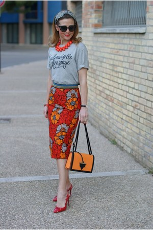 red rose a pois skirt - heather gray 89lies t-shirt - red Vittorio Virgili heels