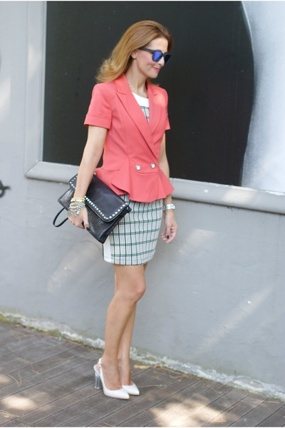 salmon Patrizia Pepe blazer - white checked Zara dress