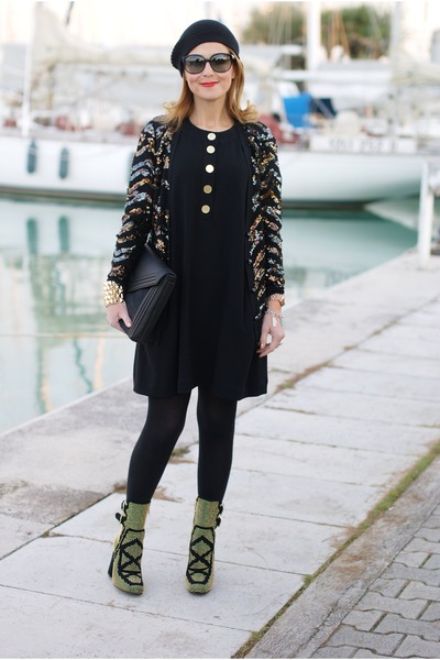 black studded Roberto Botticelli boots - black Diane Von Furstenberg dress