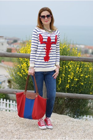 white lobster print asos sweater - blue Zara jeans - red le pliage longchamp bag