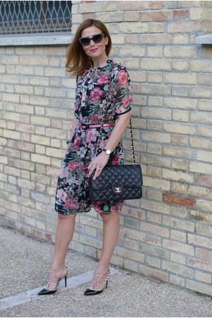 black ovs dress - black Chanel bag - black Valentino pumps