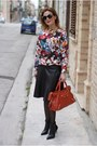 Black-le-silla-boots-brick-red-city-balenciaga-bag
