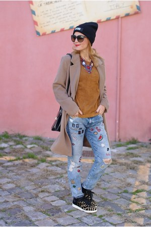 light brown Kiabi coat - periwinkle Zara jeans - black Adidas sneakers