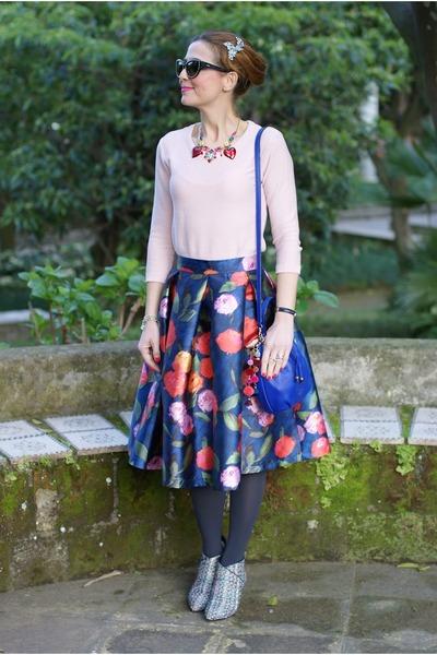 gray icone shoes - light pink Stradivarius sweater - black Moschino sunglasses