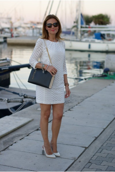 white lace dress Mango dress - black notes bag Moschino bag