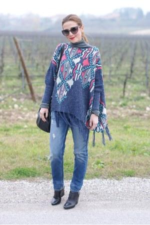 heather gray fringed Lucluc cape - black Lorenzo Mari shoes - blue Zara jeans