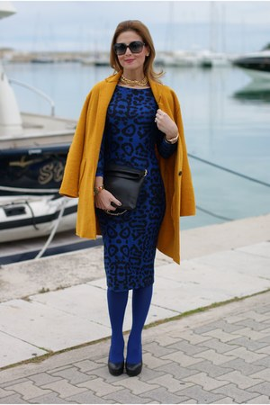 mustard wool Zara coat - blue Glamorous dress - black clutch Zara bag