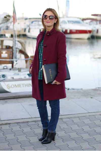 brick red verysimple coat - black linden Michael Kors boots - blue Zara jeans