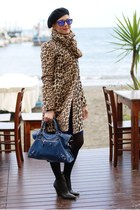Leopard print and mirrored sunglasses