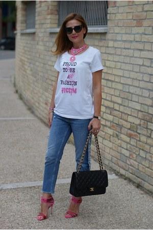 white TSoF CREW t-shirt - navy pull&bear jeans - black Chanel bag