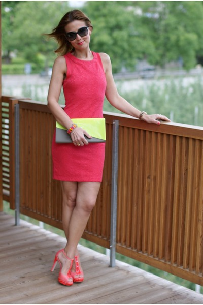 red Zara dress - light yellow plastic clutch Melissa bag