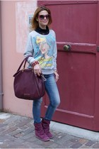 heather gray printed Only sweatshirt - magenta suede Lemaré boots